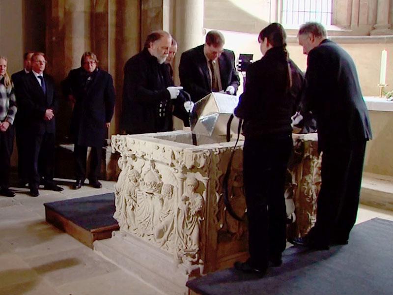 im Oktober 2010 wird Editha in einem neuen Silbersarg im Naumburger Dom feierlich bestattet