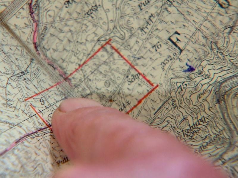 nach dem Mauerfall kann der Schatz Dank Karte gefunden werden