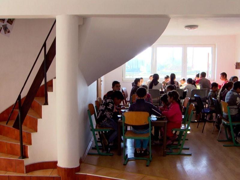 Jenny eröffnet ein Tageszentrum für die Kinder – finanziert mit Spenden