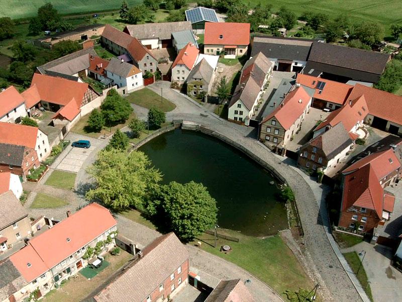 der Rundling von Großwilsdorf – die alte Dorfstruktur der Slawen ist bis heute erhalten