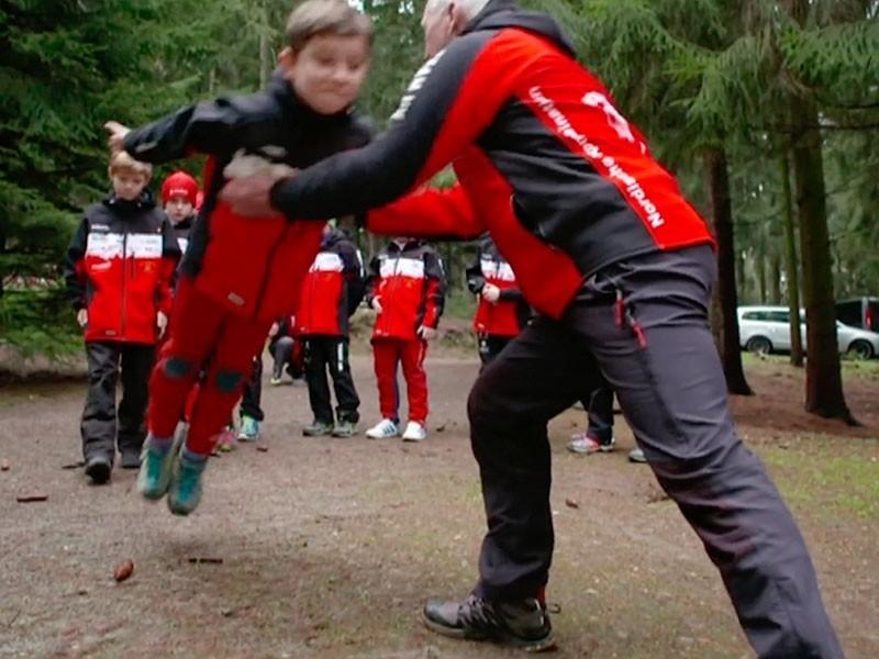 Training mit dem Nachwuchs: die Tradition des Skispringens im Vogtland lebt weiter