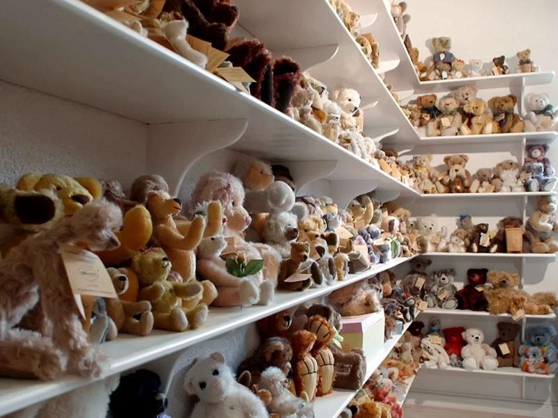 """""""Martin Bären"""" – in 5. Generation werden hier Teddybären gefertigt – bisher über 2000 Modelle"""